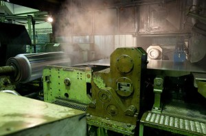 На фото - производство холодного тонколистового проката, drugoi.livejournal.com