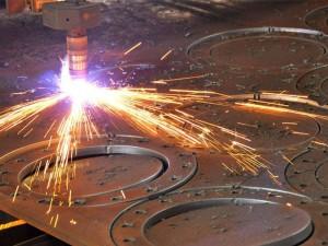 На фото - резка меди на станке плазменной резки, sibion.by