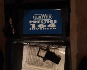 На фото - сварочный инвертор BlueWeld Prestige 164, avito.ru