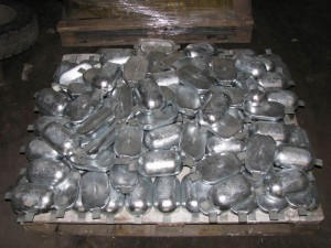 На фото - протекторы для защиты от коррозии, tehsovet.ru