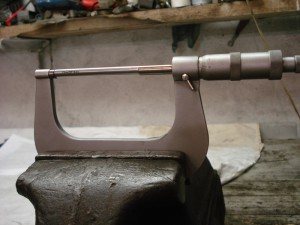 Фото микрометра для измерения прутка, tamboff.ru