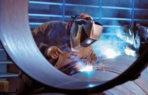 На фото - сварка среднелегированной стали, strojka-svoimi-rukami.ru