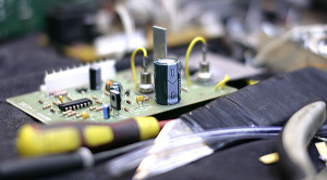 На фото - транзисторы сварочного аппарата, cyclony.ru