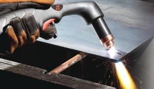 На фото - обработка металла кислородным резаком, stroy-dom.info