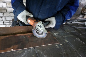 Фото очистки металлической поверхности от покрытия, metal-constructor.ru