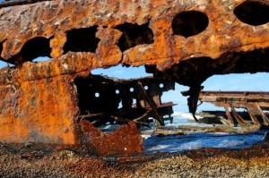 Фото разрушения металлической конструкции от коррозионного воздействия, build-chemi.ru