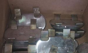 На фото - алюминиевые протекторы для защиты металла, spb.all.biz