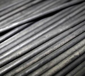 На фото - графитовые стержни для наплавки, industrial.kz
