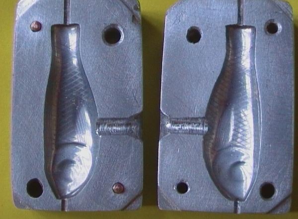 На фото - многоразовая форма для литья из бронзы