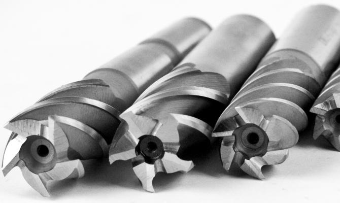 Материал и геометрия рабочего инструмента
