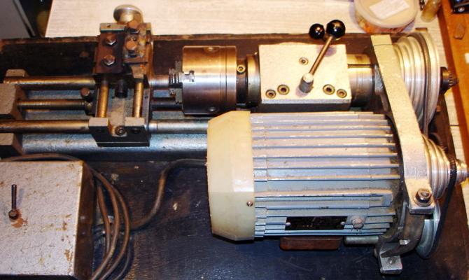 Ременная передача миниатюрного станка