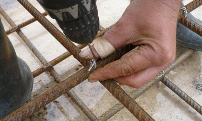Вязка стальных стержней