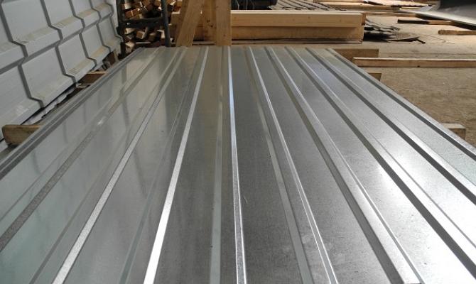 Непрерывно-волнообразный профиль для строительных работ