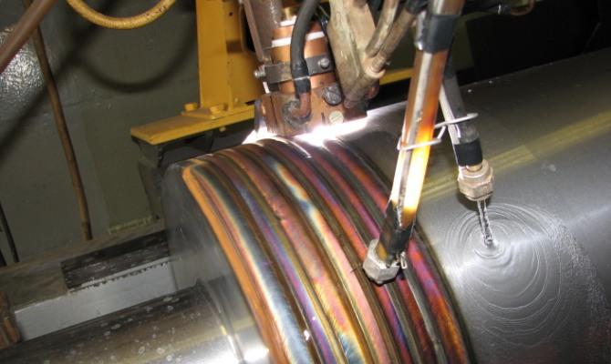 Высоколегированная наплавка из металла