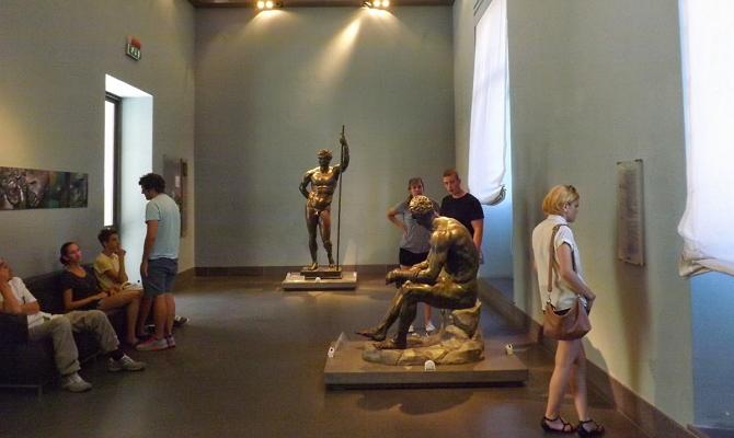 Древнегреческие статуи из бронзы