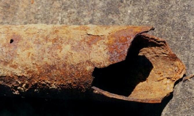 Процесс естественного разрушения металла