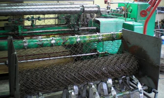 Промышленная линия производства сетки рабицы