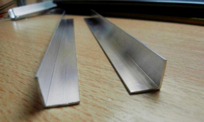 Основные характеристики и способы производства алюминиевого уголка 50x50
