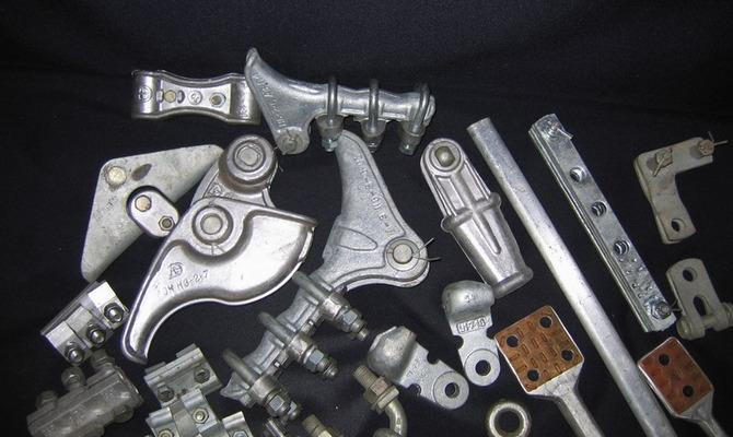 Другие виды арматуры для ВЛ –серьги, скобы и ушки